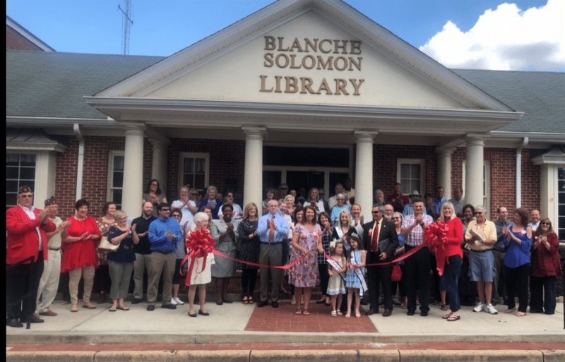 2018 10 Ribbon Cutting Making Alabama Bicentennial Exhibit
